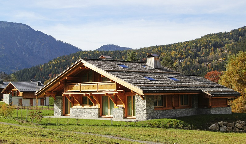 Die meisten Mobile-Homes und Chalets sind mit einem Schlafzimmer, einem Badezimmer sowie einem Koch- und Wohnbereich ausgestattet. (#02)
