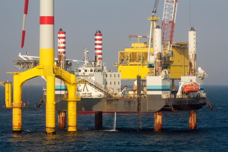Installation eines Offshore Windparks in der Nordsee. (#1)