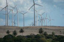 """Frost & Sullivan: Studie """"The Global Wind Power Market, Forecast to 2025"""" prognostiziert Wachstum. Im Bild zu sehen: Das Windkraftwerk nahe der Bucht Uruau in Morro Branco an der Ostküste des Bundesstaates Ceara in Brasilien."""